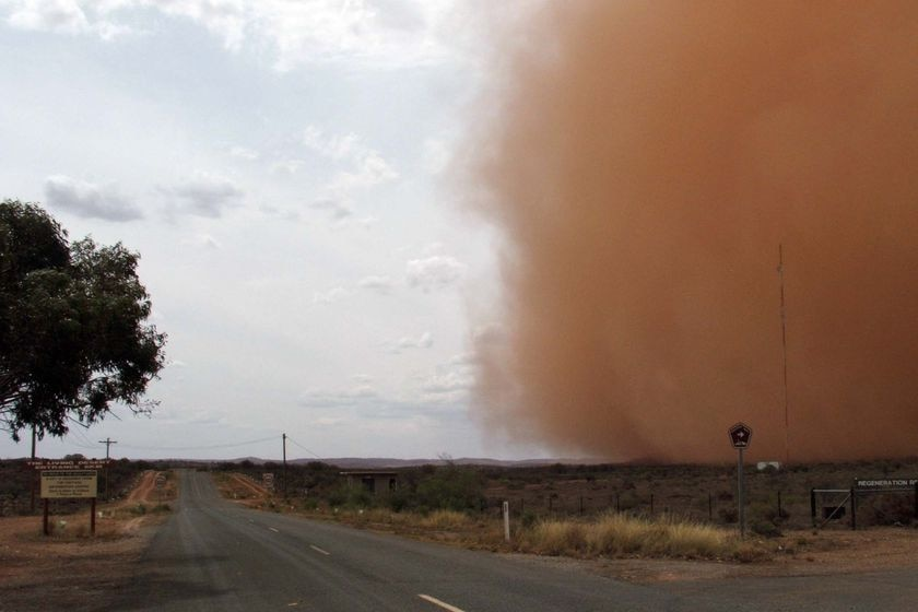 A dust storm makes its way across the northern outskirts of Broken Hill