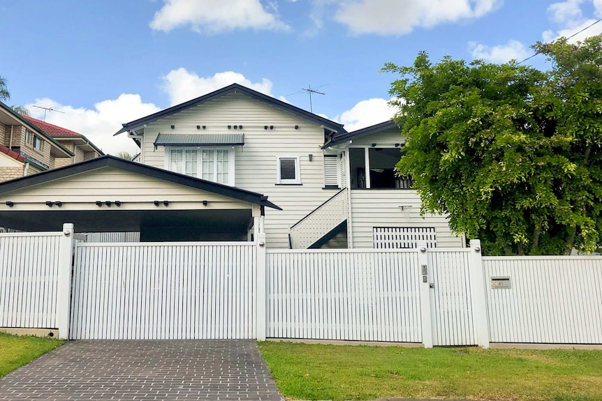 White large Queensland home in Coorparoo, Brisbane.