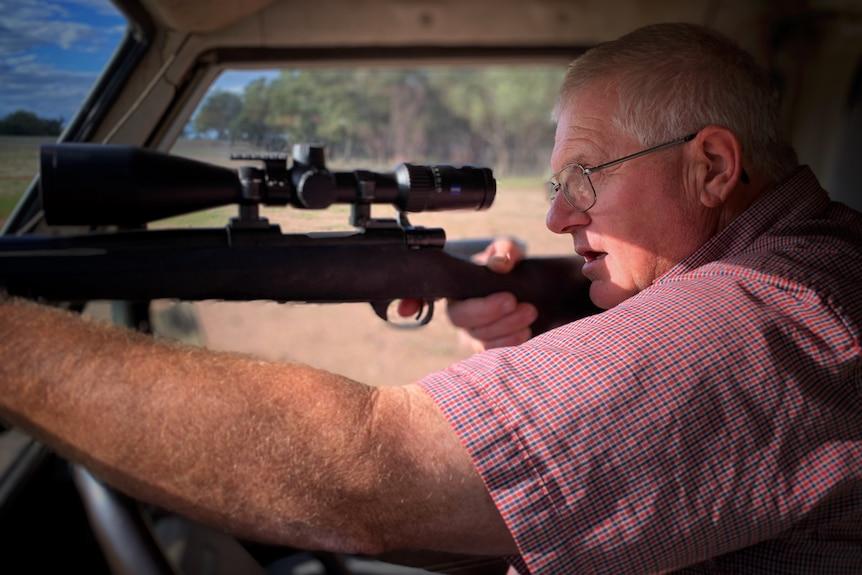 Glenn Cole aiming to shoot.