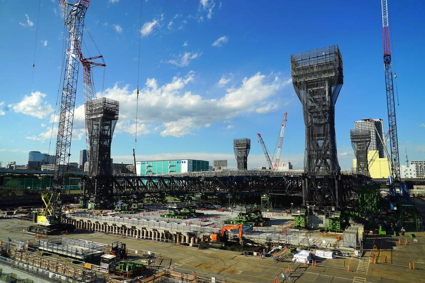 An aquatic centre is constructed in Japan ahead of the 2020 Olympic Games.
