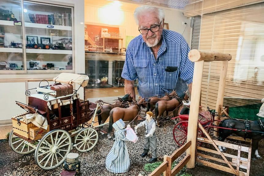 罗伯·普伦蒂斯为他的模型马车制作了实景模型。