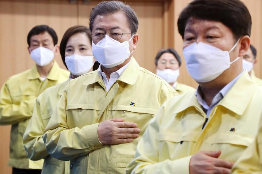 韩国总统文在寅在韩国新型冠状病毒暴发中心大邱