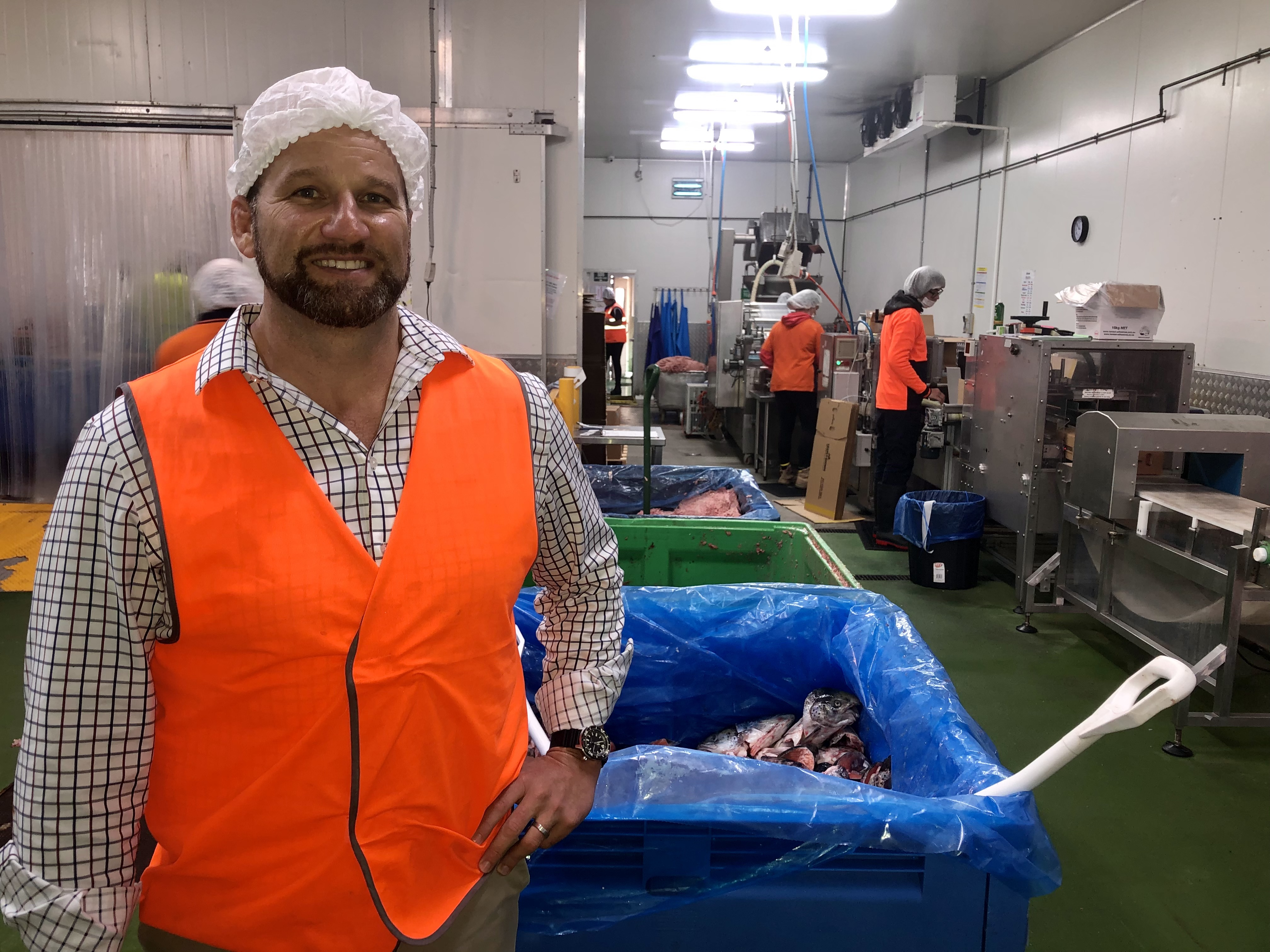 Chris Essex wants a mandatory standard to be introduced for pet food manufacturers.