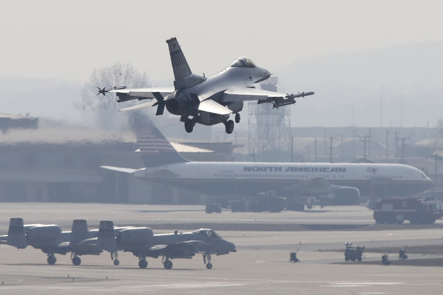 US fighter jet comes into land in South Korea