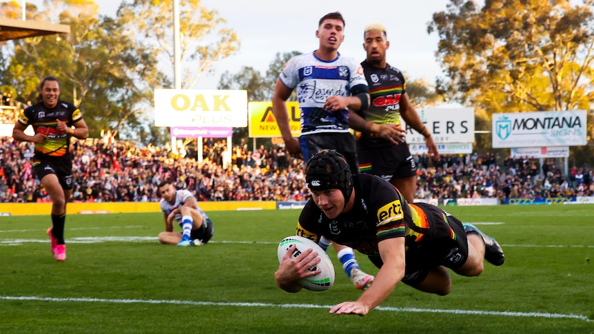 Penrith Panthers cruise past last-placed Bulldogs as Roosters and Rabbitohs also win big in NRL – ABC News