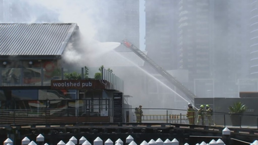 Firefighters tackle blaze at Wool Shed pub in Melbourne's Docklands