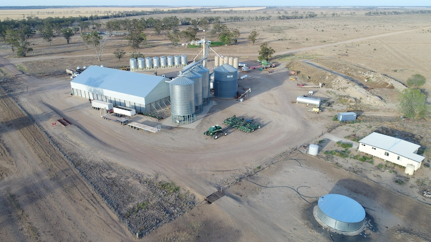 An aerial photo of South Callandoon property on the QLD border near Goondiwindi.