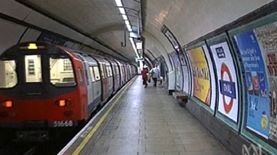 Londoners mark 150 years of minding the gap