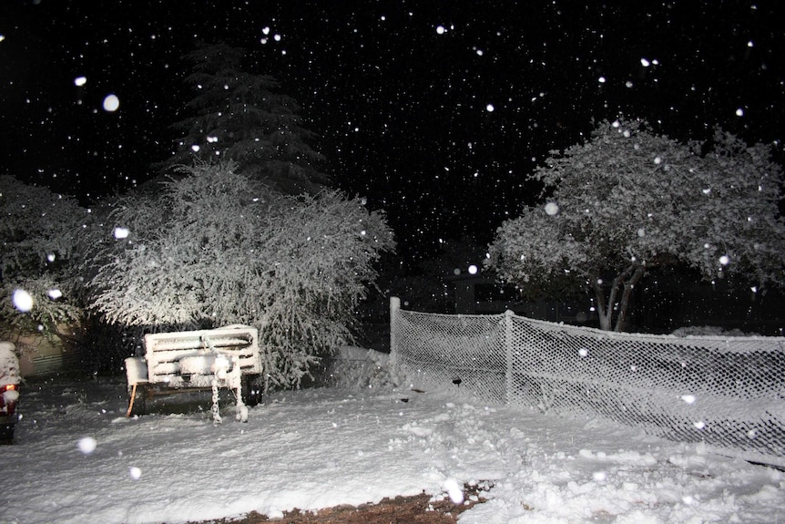 Snow falls in Stanthorpe