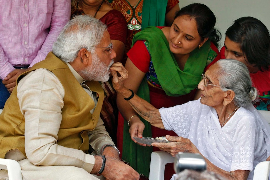 Hindu nationalist Narendra Modii with his mother